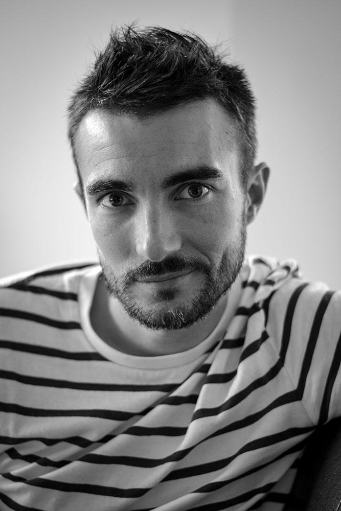 Portrait homme en noir et blanc